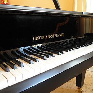 Pianoforte Grotrian Steinweg Cabinet usato