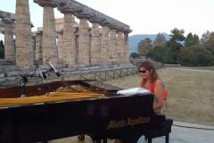 Rita Marcotulli nei templi di Paestum